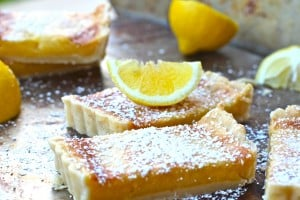 Lemon Shortbread Tart With Powdered Sugar