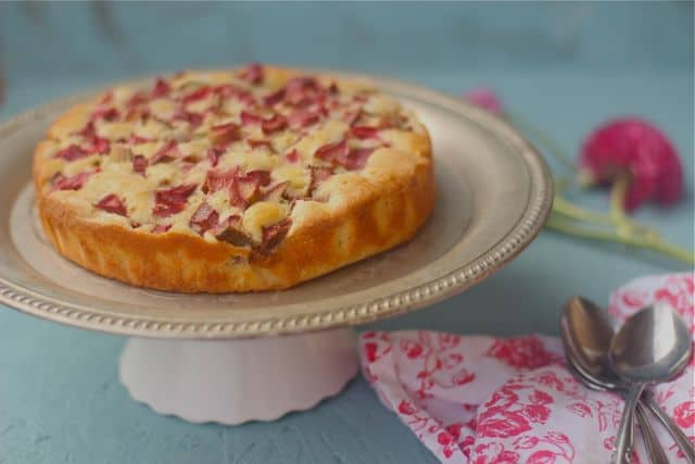rhubarb crumble cake we haven t made a cake for 500 ml kefir or ...