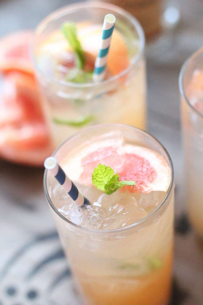 Fresh Grapefruit and Mint Cocktails