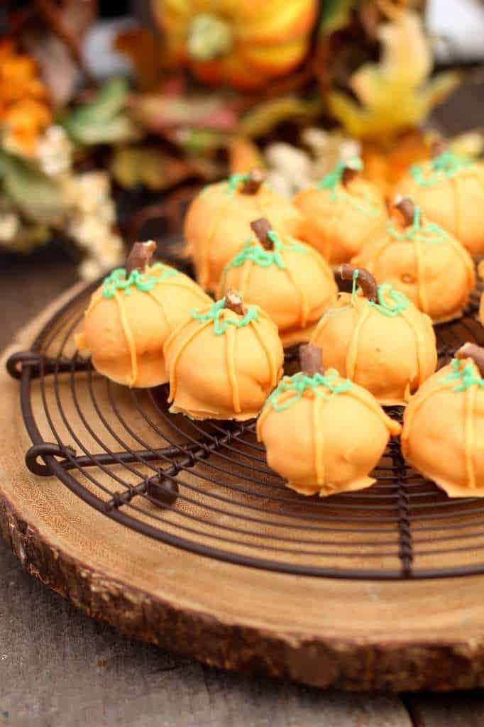 Pumpkin Spice Oreo Cookie Balls Oreocookieballs