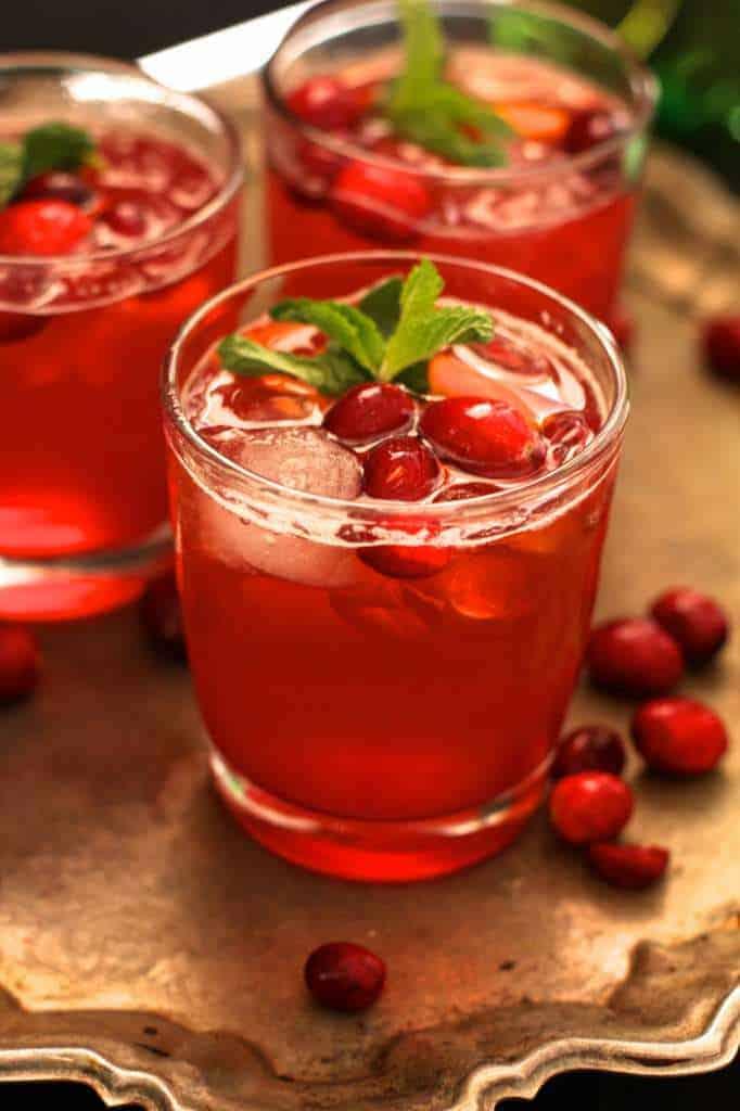 bourbon cranberry fizz