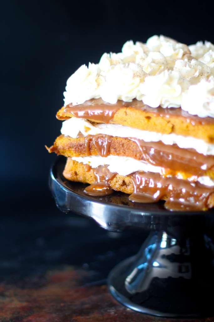 Pumpkin Spice Dulce de Leche Cake
