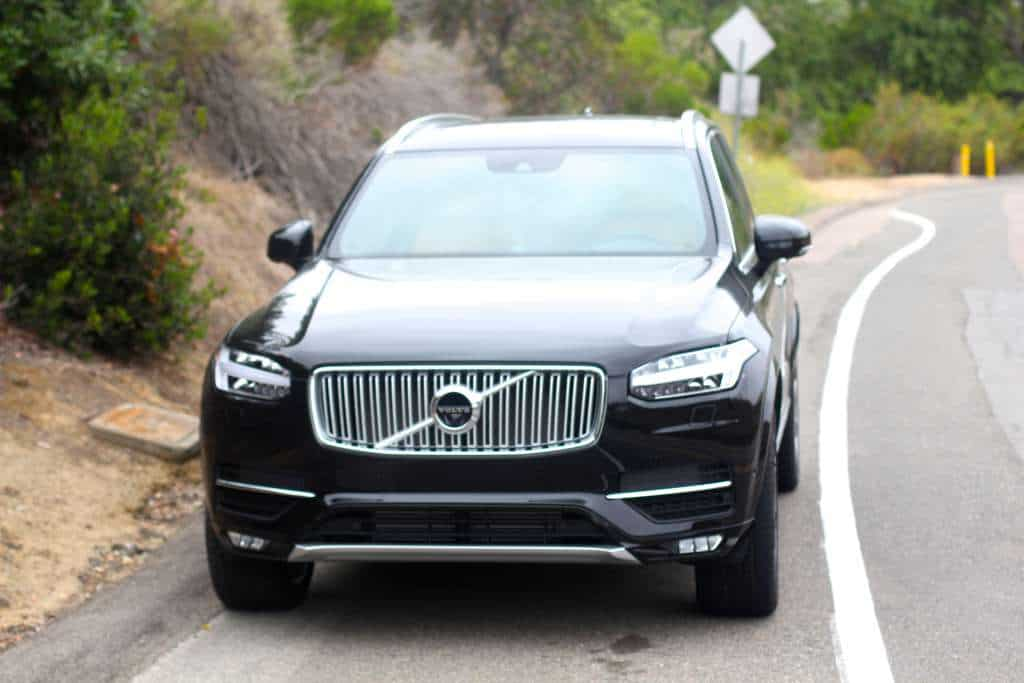 Volvo XC90 on a road to be used for hand pies cherry picking