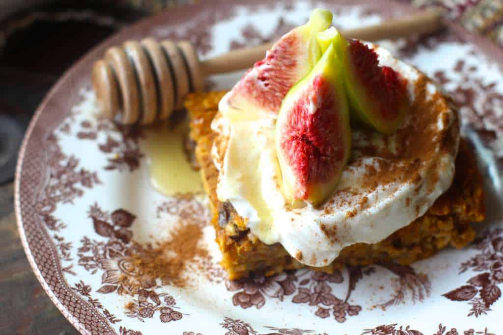 Baked Oatmeal Topped With Greek Yogurt and Figs