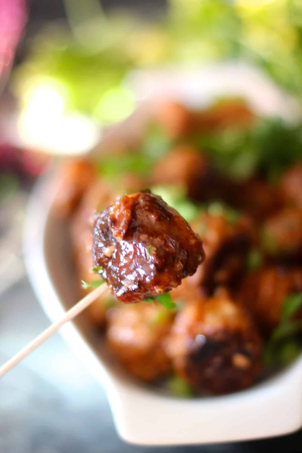 Delicious Thai Sweet and Spicy Meatballs