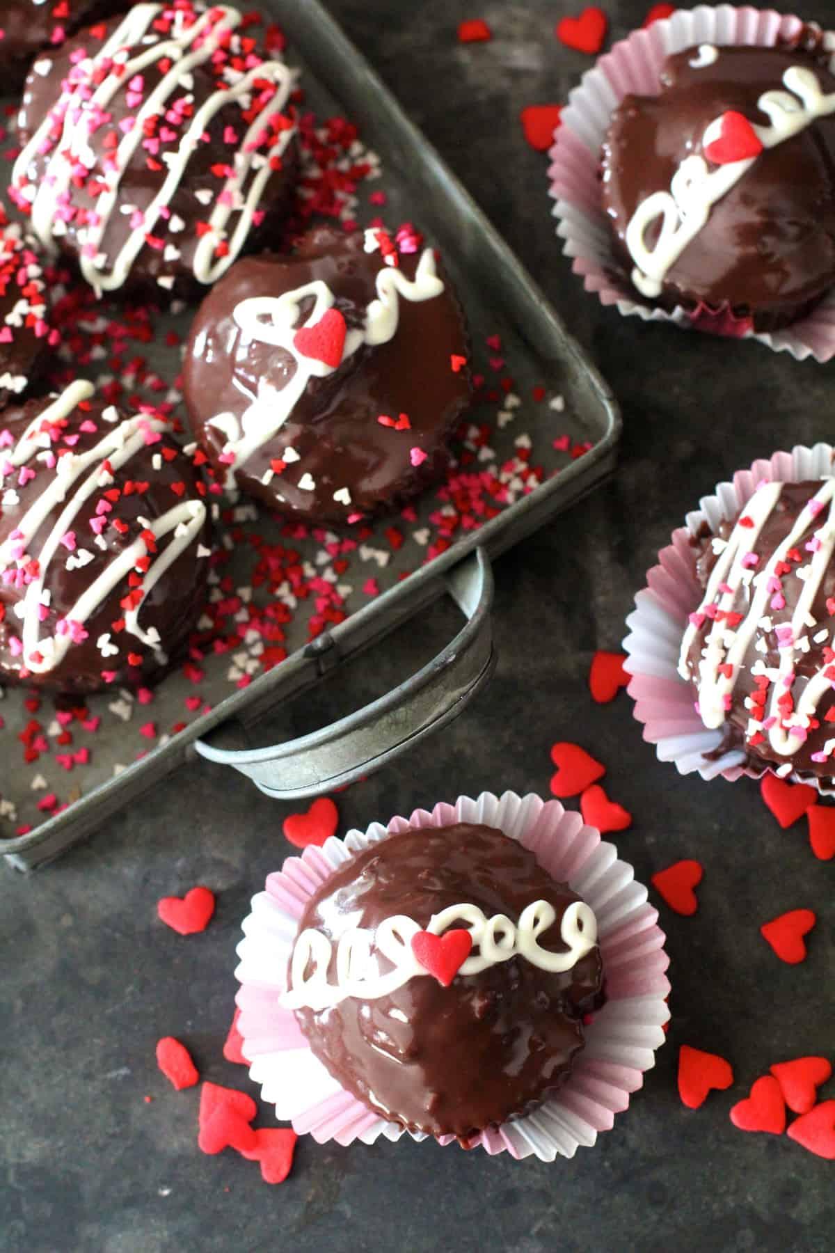 Creme Filled Chocolate Cupcakes