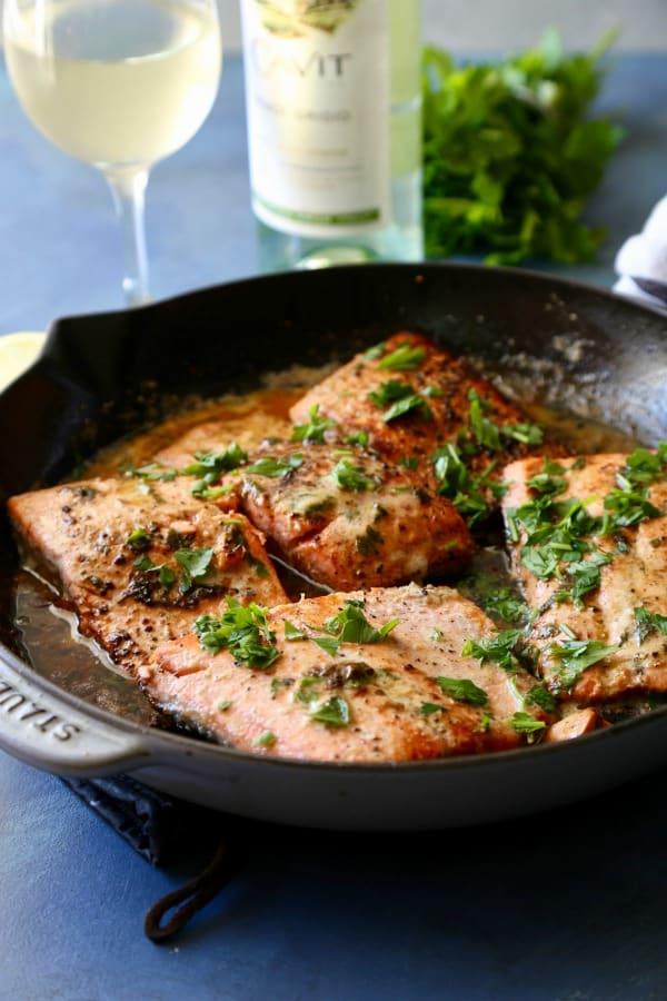 Lemon Garlic Pan Seared Salmon