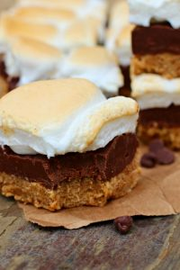 No Bake S'mores Bars- The perfect summer dessert
