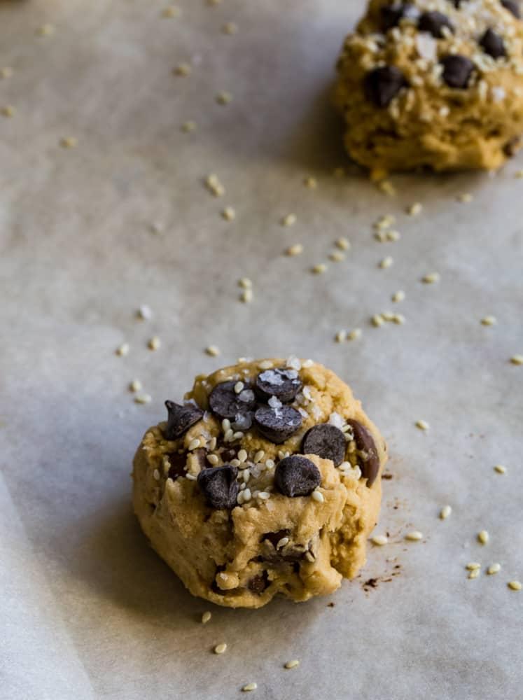 Tahini Chocolate Chip Cookies with sesame seeds