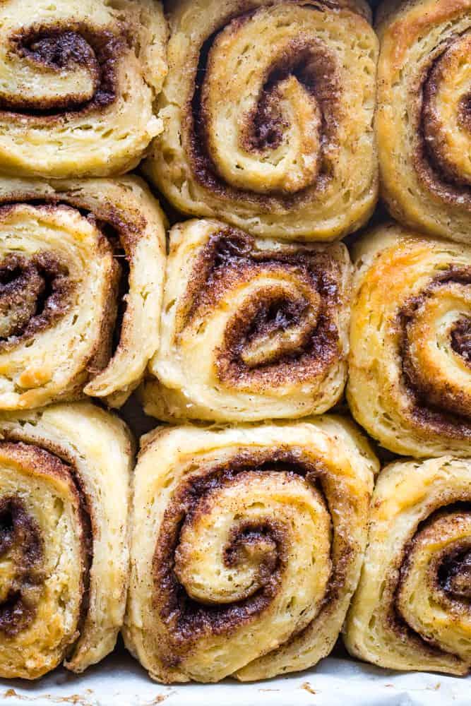 baking biscuit cinnamon rolls