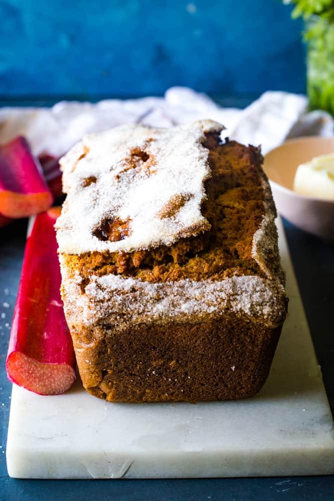whole rhubarb streusel bread