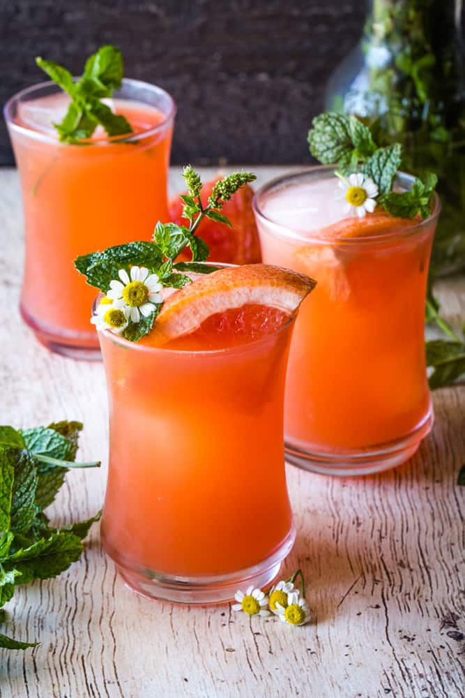 mint grapefruit vodka cocktail in glasses