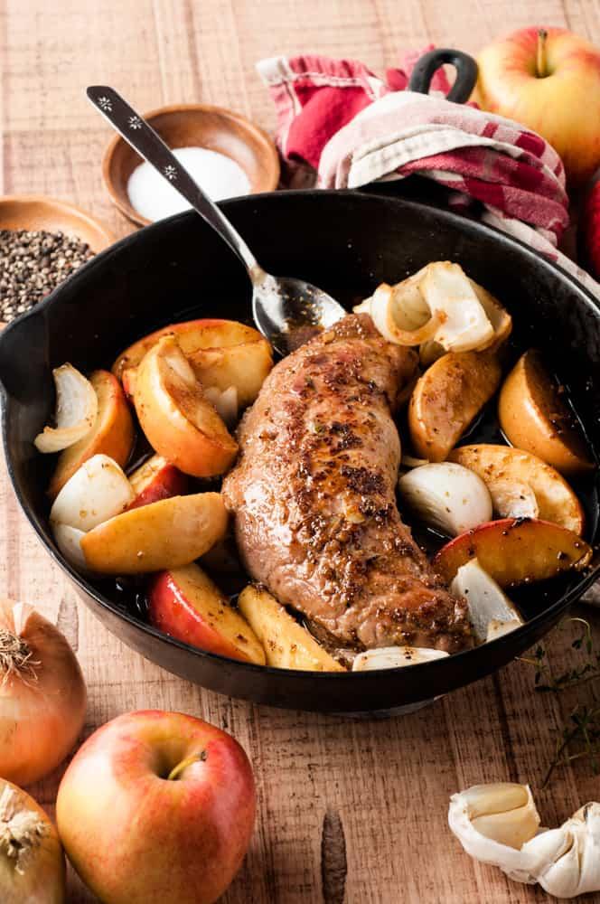 pork tenderloin with apples in cast iron pan