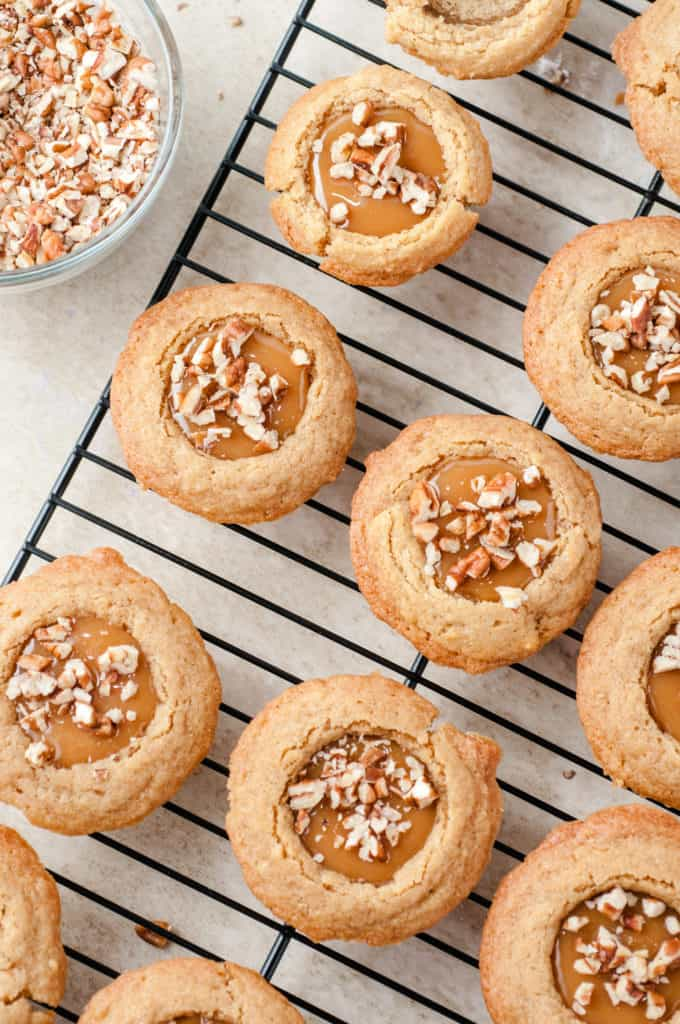 cooling rack with caramel pecan cookie cups